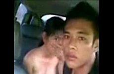 คลิปโป๊หนุ่มสาวตั้งกล้อง เย็ดกันในรถลีลาพาเสียวใด้อารมณ์